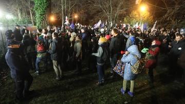 """12-12-2017 20:27 Protest przed Sejmem przeciw ustawom o sądownictwie. """"Walczymy do końca"""""""