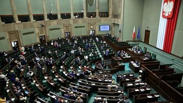 07-07-2016 10:08 12 zł za godzinę. Sejm przyjął ustawę wprowadzającą minimalną stawkę za pracę