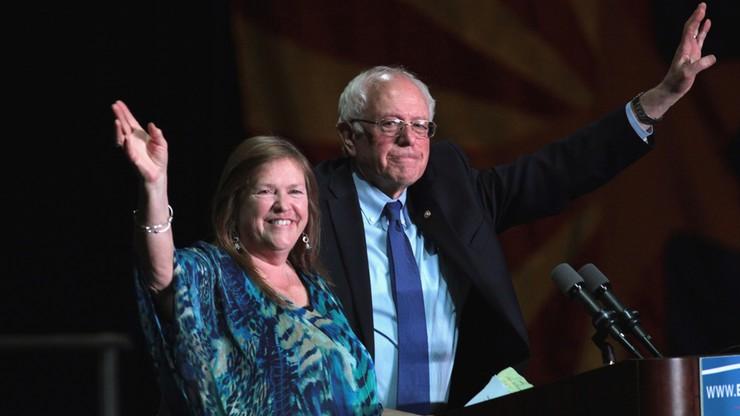 """Śledztwo federalne przeciwko żonie Berniego Sandersa. """"Żałosne, motywowane politycznie"""""""