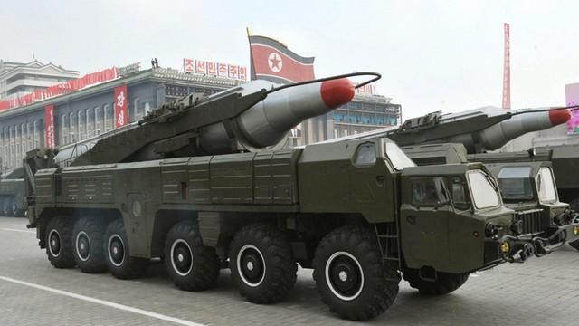 Korea Płn.: Kim testuje rakiety średniego zasięgu
