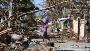 08-10-2016 07:05 Do 877 wzrósł bilans ofiar huraganu Matthew na Haiti. Żywioł powoli słabnie