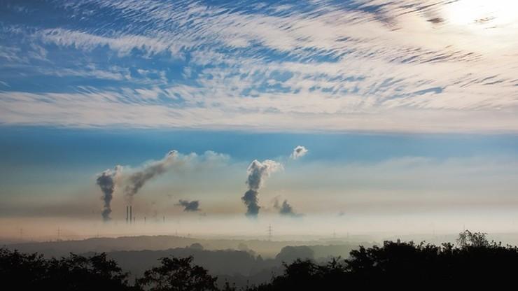 Od 1990 r. UE ograniczyła emisję dwutlenku węgla o 23 proc.