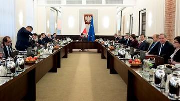 21-02-2017 06:24 Rząd o sieci szpitali. Premier Szydło poprowadzi posiedzenie