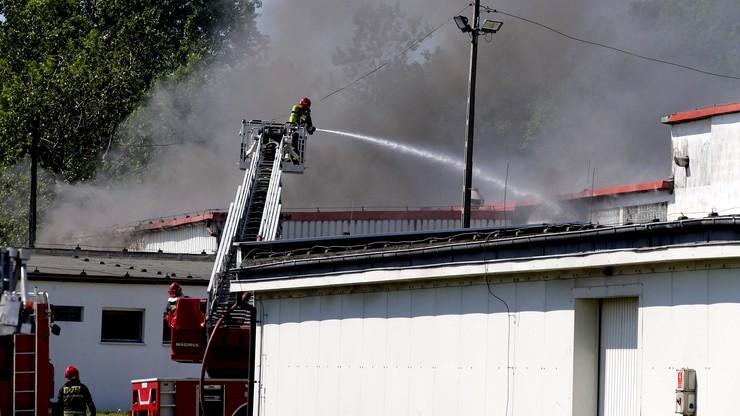Pożar w zakładach chemicznych w Chorzowie. Ewakuacja pensjonariuszy domu pomocy społecznej