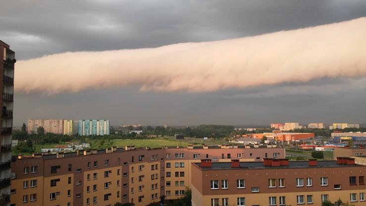 2016-05-31 Taką chmurę sfotografował nasz użytkownik o godz. 5:30 w Zabrzu (woj. śląskie)