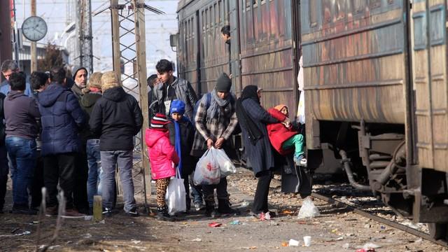 CBOS: 53 proc. Polaków przeciwko przyjmowaniu uchodźców