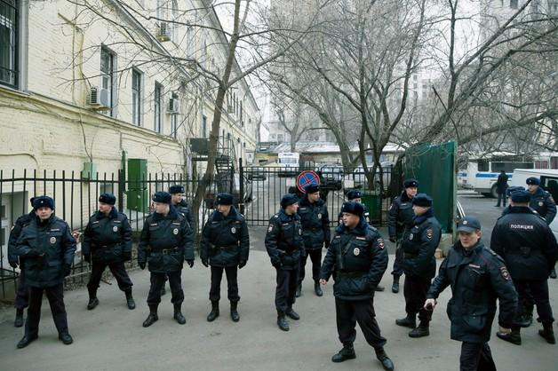 Śledczy wnioskują o aresztowanie 5 podejrzanych o zabójstwo Niemcowa