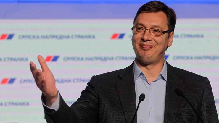 """""""To historyczne zwycięstwo"""". Konserwatyści znów wygrywają wybory w Serbii"""