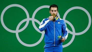 2017-11-16 Mistrz olimpijski odda medal na pomoc poszkodowanym w trzęsieniu ziemi
