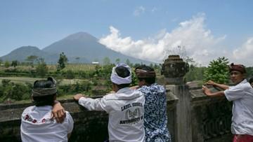 Turystyczny raj zagrożony wybuchem wulkanu. Z wyspy uciekło już blisko 100 tys. ludzi