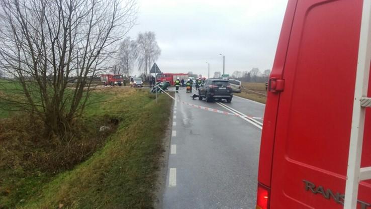 2016-11-29 Wypadek w Postoliskach na Mazowszu. Trzy osoby nie żyją, trzy inne ranne