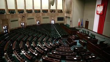 16-01-2017 08:55 Kancelaria Sejmu: 12 600 zł kosztowały urządzenia do głosowania na Sali Kolumnowej