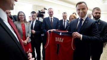 """31-03-2016 05:57 Prezydent dziękuje Polonii amerykańskiej za dbanie o dobre imię Polski. """"Nie jest to łatwe zadanie"""""""
