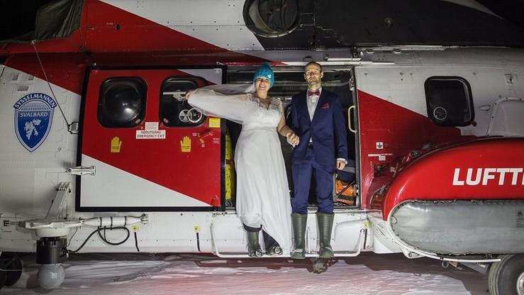 Polscy polarnicy wzięli wyjątkowy ślub w Arktyce. Zdjęcia