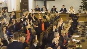 03-01-2017 14:17 Terlecki: ochrona Sejmu uważa, że taśmy z Sali Kolumnowej nie powinny być udostępniane do wglądu publicznego