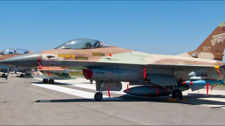 """Izraelskie myśliwce """"niebezpiecznie blisko"""" Boeinga linii Ryanair lecącego z Krakowa"""