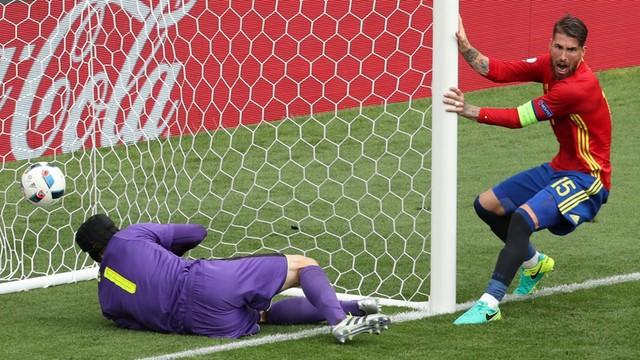 ME 2016 - Hiszpania - Czechy 1:0