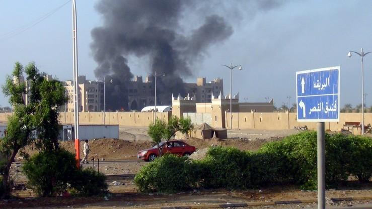 Jemen: Atak na siedzibę rządu w Adenie