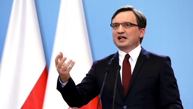 Ziobro: TK nie może orzekać w oparciu o konstytucję