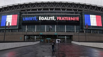 2015-11-17 Szczególne środki ostrożności przed meczem Anglia - Francja