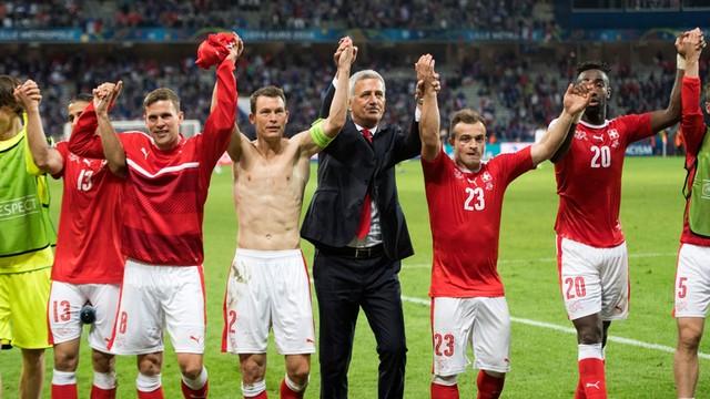 Niedziela na Euro: podarte koszulki Szwajcarów i historyczne zwycięstwo Albanii