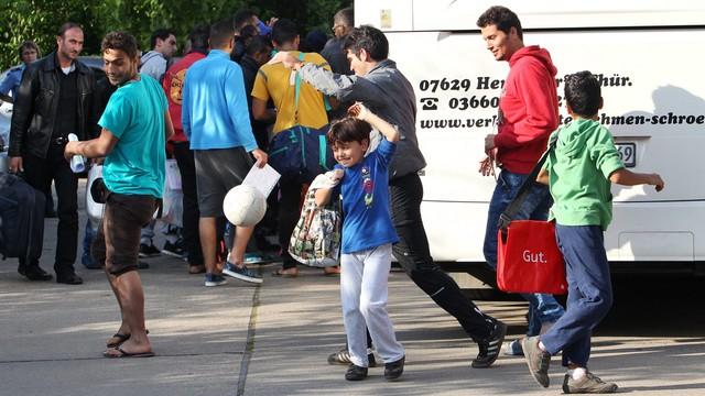 Niemcy: blisko 7 tys. migrantów przybyło przez weekend do Bawarii