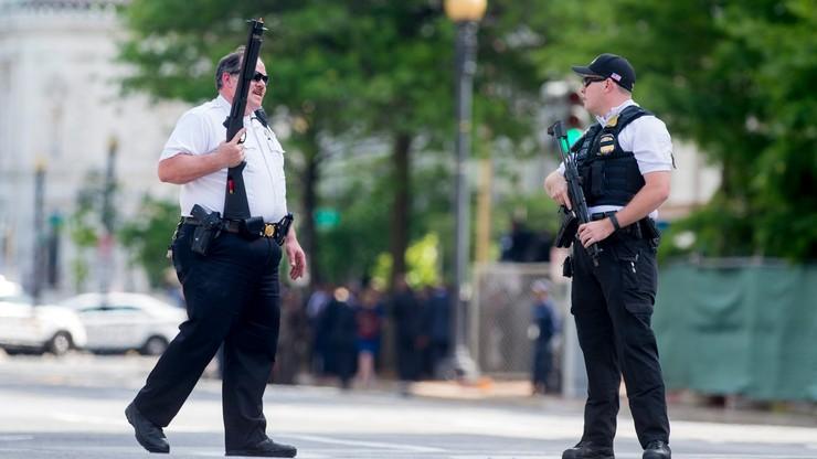 Strzelanina w pobliżu Białego Domu. Ranny mężczyzna z bronią