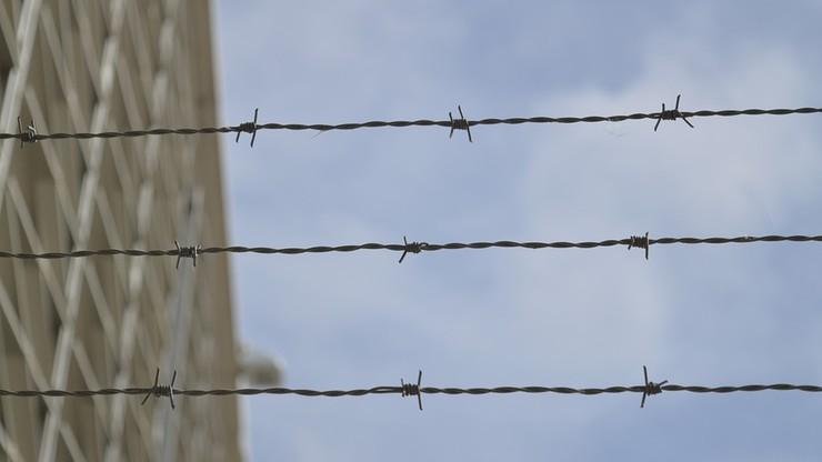 13 tys. osób powieszonych w jednym syryjskim więzieniu w ciągu 5 lat. Raport Amnesty International