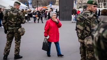 31-12-2015 18:43 Sto tysięcy policjantów i żandarmów pilnuje bezpieczeństwa we Francji