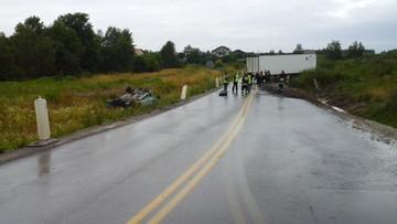 03-07-2016 14:47 Osobówka zderzyła się z TIR-em. Tragiczny wypadek koło Szydłowca