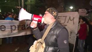 Debata w Sejmie, protest przed Sejmem. Obywatele RP  nie zgadzają się na zmiany w sądach