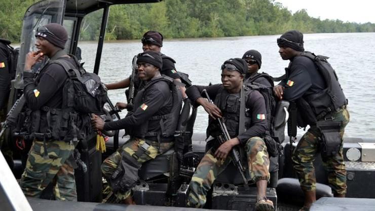 Katastrofa okrętu marynarki Kamerunu, dziesiątki zaginionych