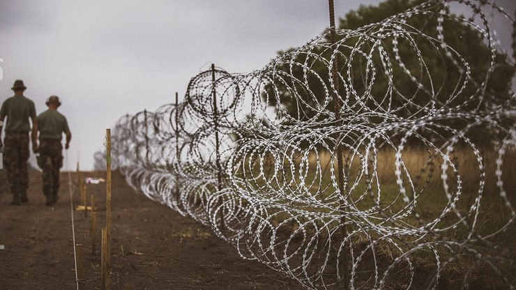 Węgry zbudowały drugie ogrodzenie na granicy z Serbią. Ma 155 km i 3 metry wysokości
