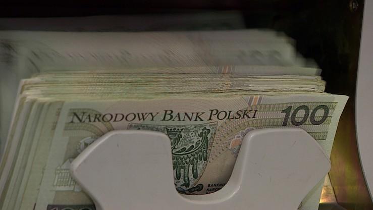 Sondaż: płaca minimalna powinna wynosić 2535 zł