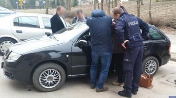 29-03-2017 14:16 Niemowlę zatrzaśnięte w samochodzie. Policjanci kołysali autem, by uspokoić dziecko