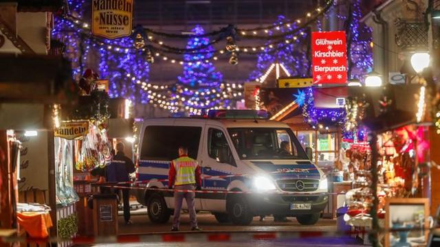 Niemcy: ewakuacja jarmarku w Poczdamie - znaleziono ładunek wybuchowy
