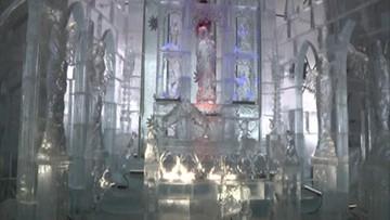 2016-12-01 Lodowa kaplica w sercu Tatr. Z ołtarzem wykutym z 90 ton lodu