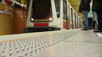 """07-03-2016 17:41 Druga linia metra ma już rok. """"Przewiozła"""" 35 milionów pasażerów"""