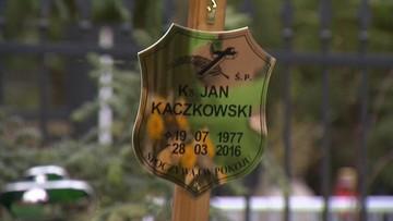 01-04-2016 19:29 Pogrzeb księdza Jana Kaczkowskiego