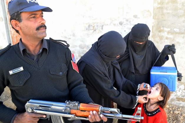 Pakistan: siły bezpieczeństwa odbiły szkołę z rąk talibów