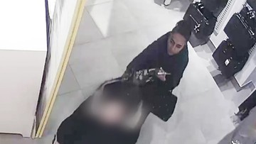 Bezczelna złodziejka. Policja ujawnia nagranie i prosi o pomoc