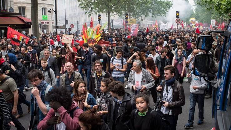 Francja: magazyny paliw odblokowane, ale połowa rafinerii nie działa