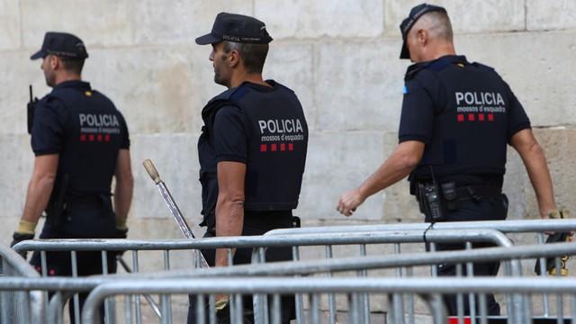Parlament i policja Katalonii posłuszne decyzjom Madrytu