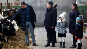 """12-01-2018 15:41 """"Rolnicy to sól ziemi"""". Premier spotkał się z dostawcami mleka"""