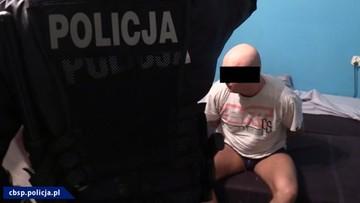 20-11-2017 10:07 Policja rozbiła narkotykowy gang pseudokibiców z Zabrza. Znalazła maczety, pałki teleskopowe i pistolet hukowy