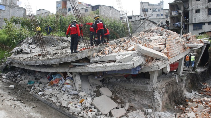 350 ofiar śmiertelnych trzęsienia ziemi w Ekwadorze