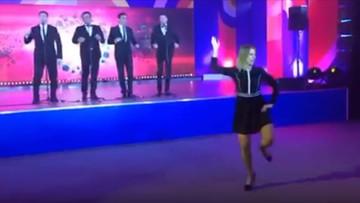 """20-05-2016 08:18 Rzeczniczka MSZ tańcząca """"Kalinkę"""" podbija sieć"""
