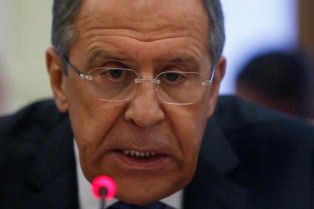 Ławrow poucza: nie wolno dzielić Ukrainy