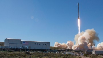 14-01-2017 21:34 Udany start rakiety firmy SpaceX w Kalifornii