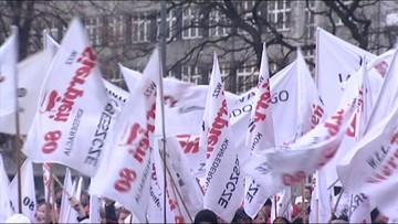 """25-03-2016 14:02 Związki zawodowe też dla pracowników na umowach """"śmieciowych"""". Jest projekt noweli ustawy"""